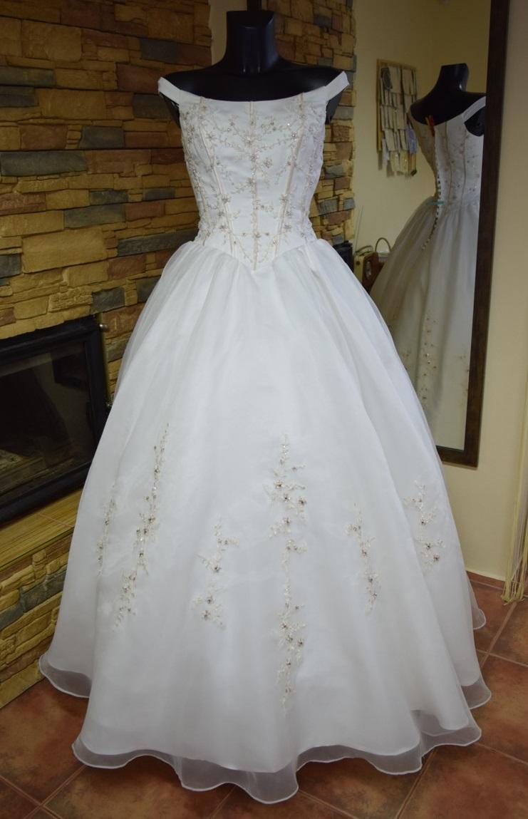 591b9db4ee3 SUPER AKCE- nové svatební šaty