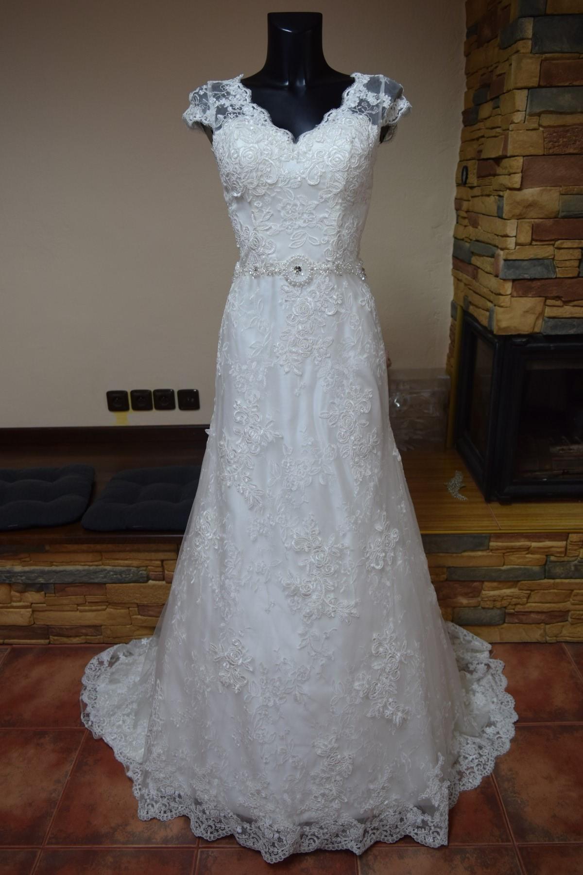 luxusní svatební šaty 9cdb9dd7b4
