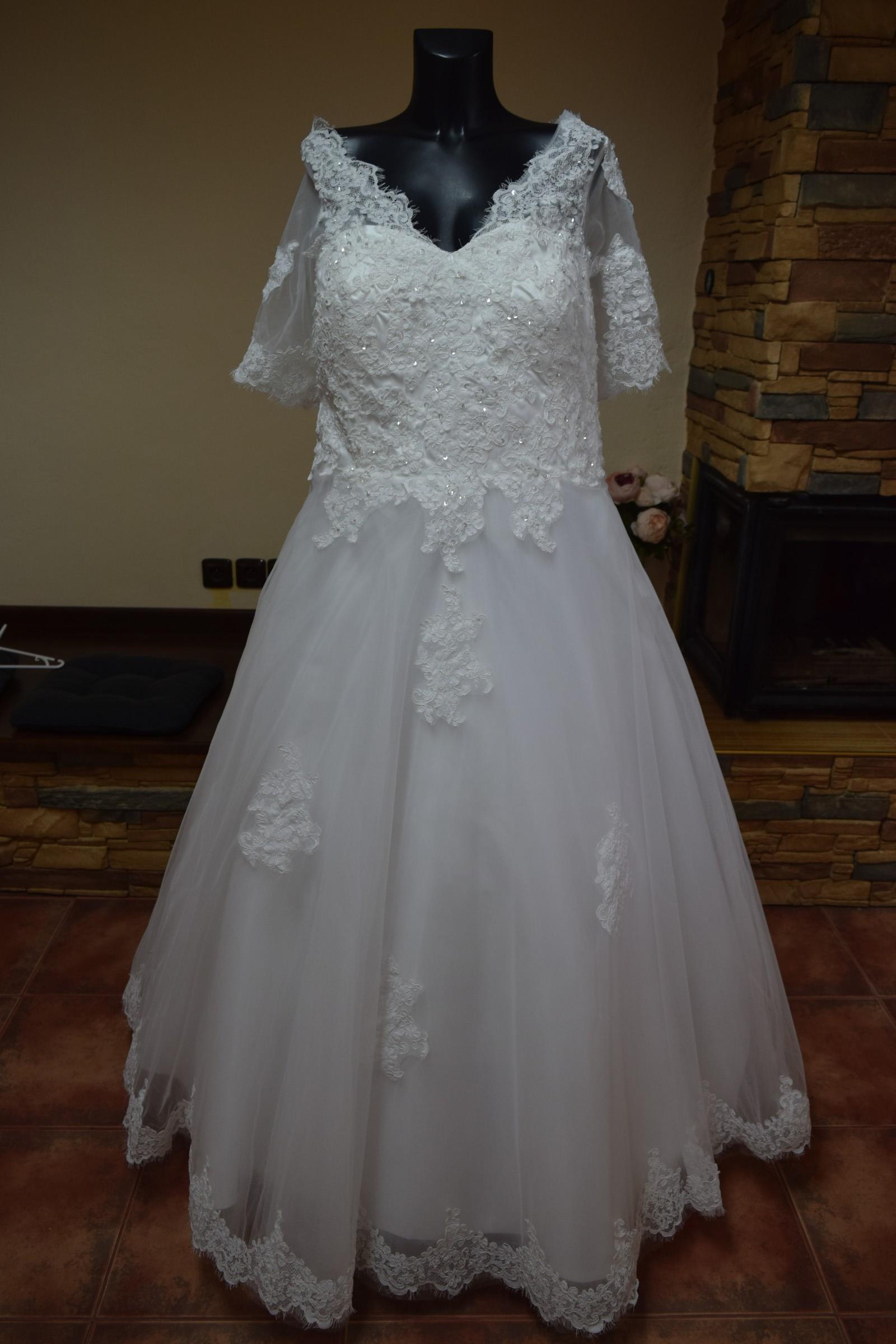 ca123bcffaa svatební šaty