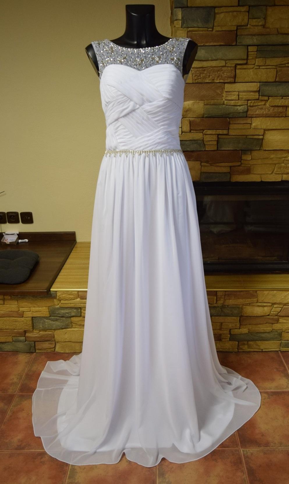 b6954ae41de Levné svatební šaty