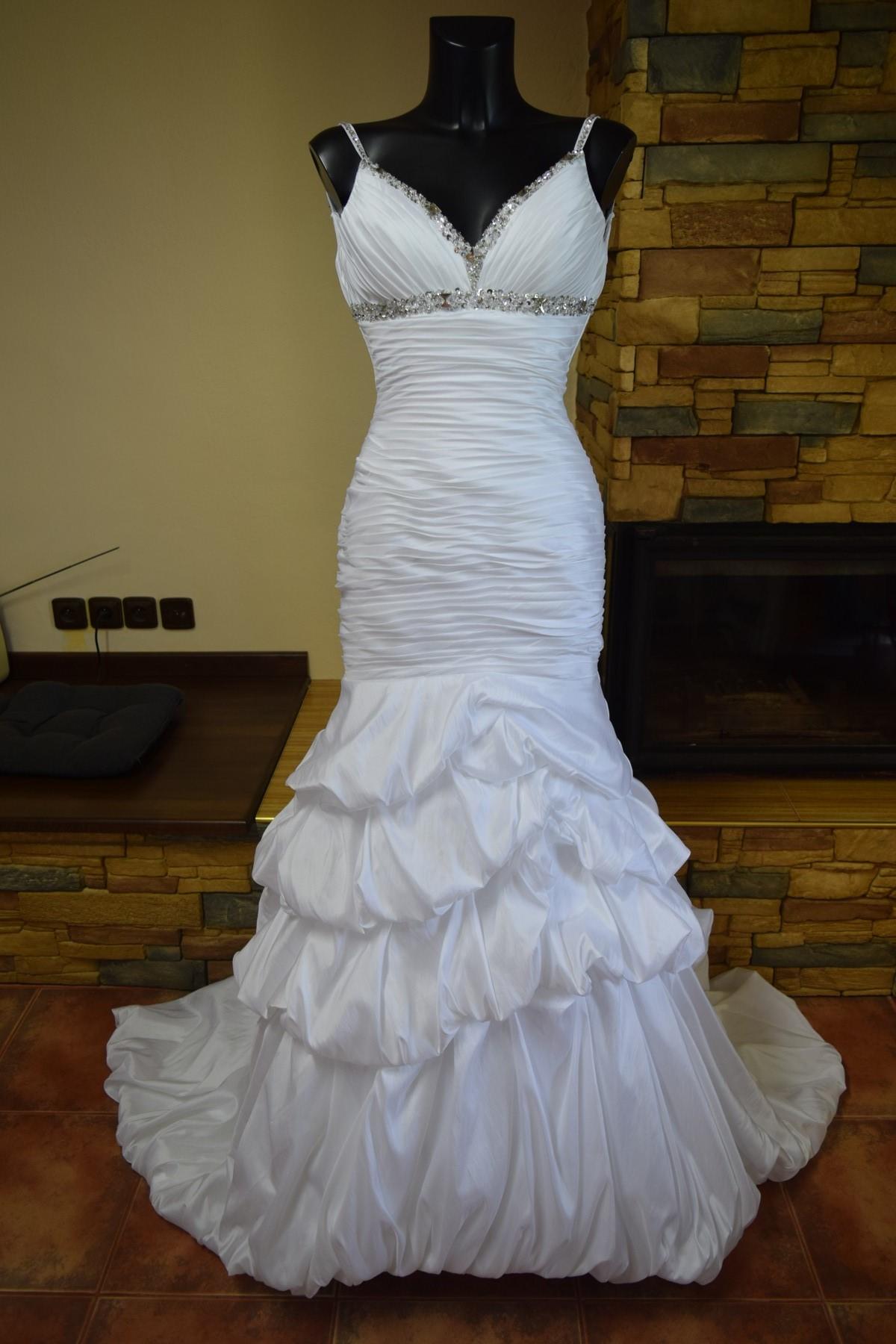 bf0254c552f levné svatební šaty