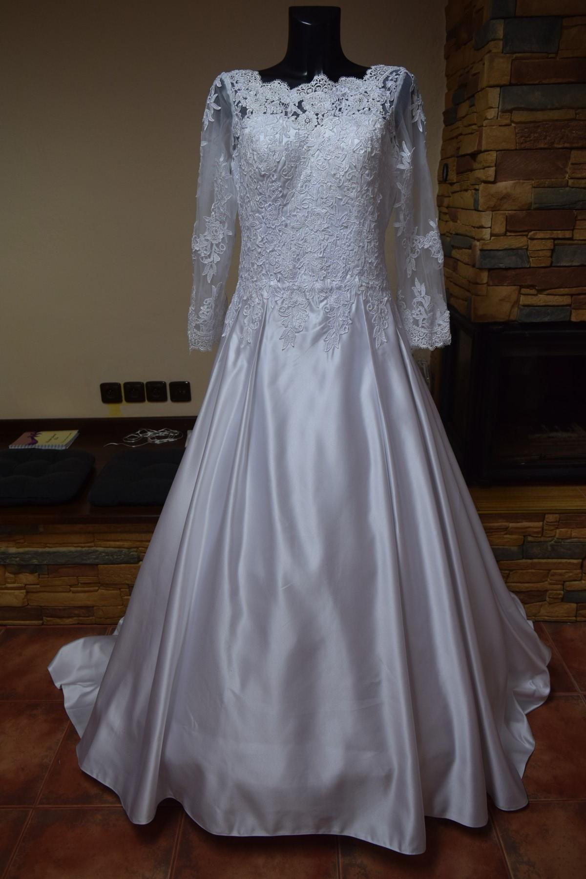 f883b8cac10d Levné svatební šaty