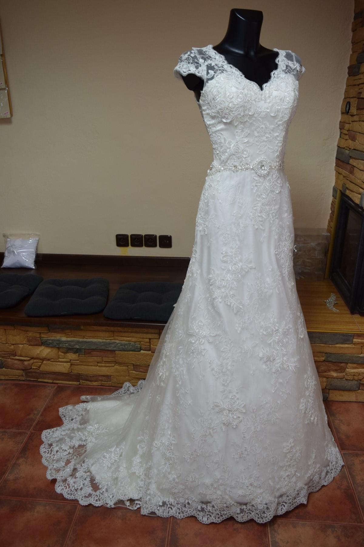 luxusní svatební šaty ae5bdac6e1